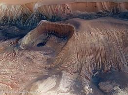 تصویر از درهای شگفتانگیز در مریخ را ببینید/عکسی که ناسا منتشر کرد