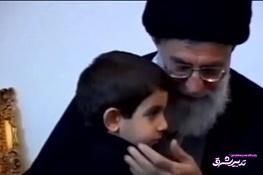 تصویر از فیلم | رهبرانقلاب: ایمان قوی شهدا آنها را به دل خطر کشاند