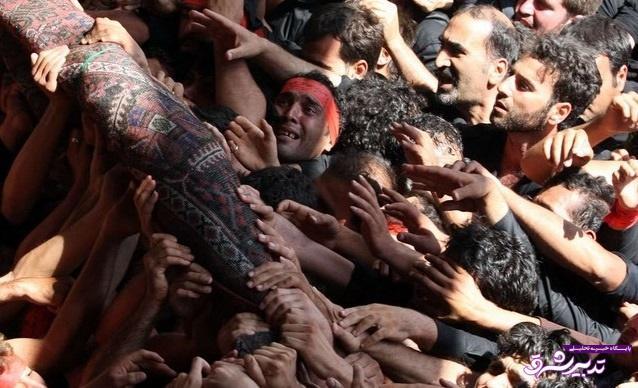 تصویر از آیین یکهزار ساله «قالیشویان» در مشهد اردهال کاشان برگزار شد