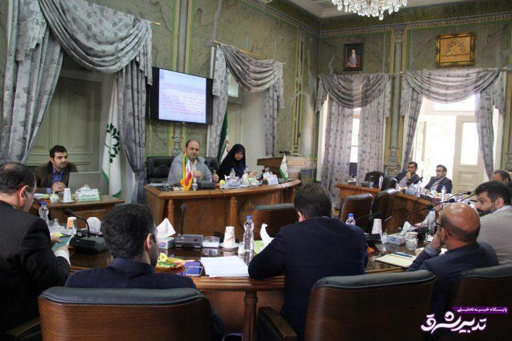 تصویر از جلسه مشترک دو کمیسیون شورای شهر رشت درباره زباله سراوان؛ انتقادات تند مدیرعامل سازمان پسماند گیلان از مدیران شهری رشت