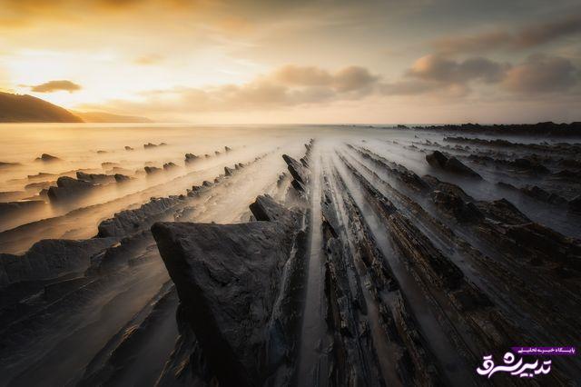 تصویر از عکس   عظمت سنگهای غرق در مه در عکس روز نشنال جئوگرافیک