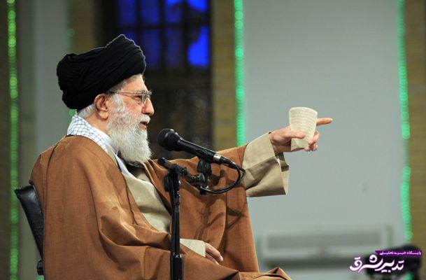 تصویر از رهبر معظم انقلاب: کسانی که امکانات کشور در اختیار آنها بود یا اکنون هست باید پاسخگو باشند نه مدعی