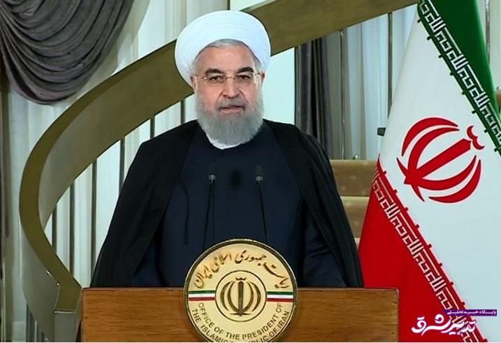 تصویر از حسن روحانی صبح امروز در سی و یکمین کنفرانس بینالمللی وحدت اسلامی: مسلمان راه وسط و اعتدال را انتخاب کنند| دیر یا زود منطقه از تروریسم نجات پیدا میکند