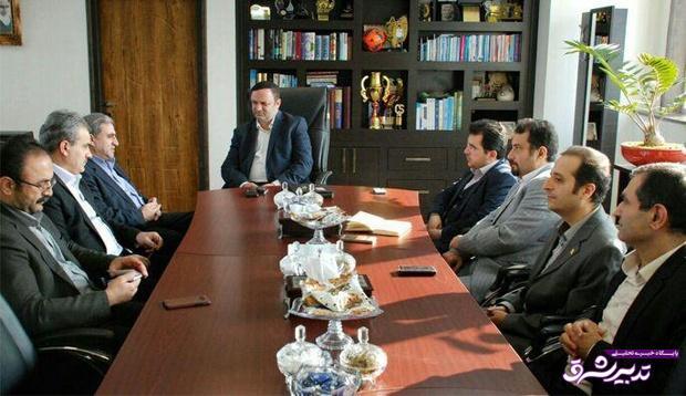 تصویر از رئیس سازمان صنعت ، معدن و تجارت گیلان در دیدار با مهندس مسرور: منطقه آزادانزلی دروازه صادرات کالاهای تولیدی کشور است