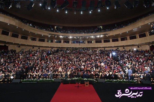 تصویر از سیمرغ های سی وششمین جشنواره فیلم فجر بر شانه های هنرمندان آرام گرفت+تصاویر