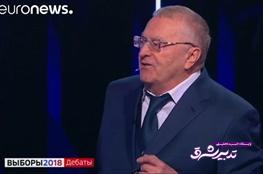 تصویر از فیلم | جنجال در مناظره انتخابات ریاست جمهوری روسیه و آبپاشیدن به روی رقیب