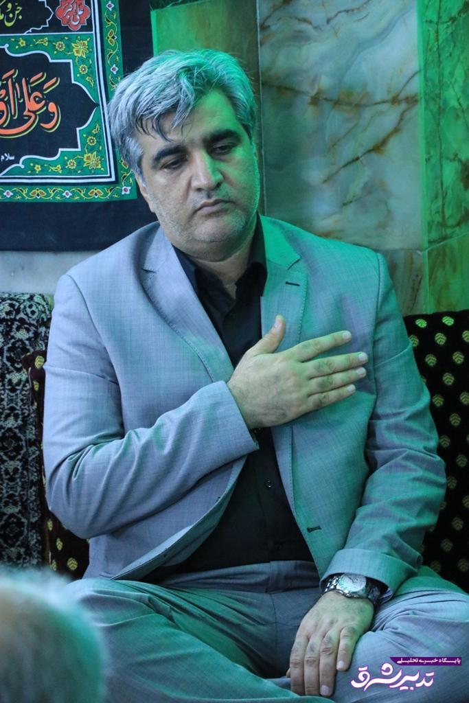 تصویر از مصطفی سالاری، استاندار گیلان در غم از دست دادن پدر عزادار شد