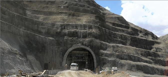 تصویر از آزادراه تهران-شمال تا ۵ سال دیگر نیز افتتاح نمیشود|پروژه آزادراه یک اثر باستانی است