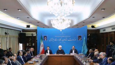تصویر از حسن روحانی: وزیری که به نفع مردم کار میکند، به دستورات بیربط اعتنا ندارد