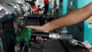 تصویر از کمبود بنزین در عربستان، خودروها را به صف کرد