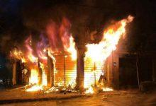 تصویر از ۸۰ فروشگاه زنجیرهای بین ۵۰ تا ۱۰۰ درصد تخریب شدند / برخی از آنها ابتدا غارت و سپس به آتش کشیده شدند / خسارت واردشده به این فروشگاه ها ۱۷۰ میلیارد تومان است / بیشتر این فروشگاه ها در شهرهای اطراف تهران قرار دارند