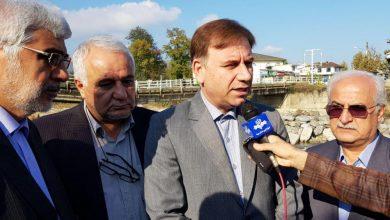 تصویر از استاندار گیلان از نصب پل فلزی موقت در شهر اسالم خبر داد