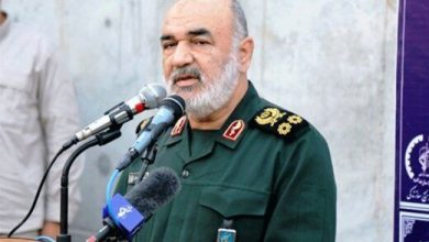 تصویر از فرمانده کل سپاه: یک تار موی بسیجی به اندازه تمام موشکهایی است که ما انباشته کردیم/دشمنان در اغتشاشات اخیر، غافلگیر شدند