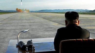 تصویر از کره شمالی دو موشک بالستیک کوتاهبرد شلیک کرد / کیم جونگ اون شخصا بر این آزمایش نظارت داشت