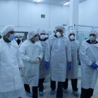 تصویر از استاندار گیلان در بازدید از یکی از شرکتهای داروسازی در رشت خبر داد: توزیع گسترده مواد ضدعفونی کننده تولیدی در گیلان تا پایان هفته