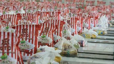 تصویر از کمک مؤمنانه  توزیع ۷۰۰ بسته معیشتی اتاق اصناف به نیازمندان گیلانی