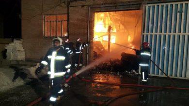 تصویر از در پی آتش سوزی گاراژ؛ آتش سوزی فوق سنگین در نم نم آباد | تلاش ۳ ساعته آتش نشانان برای کنترل حریق