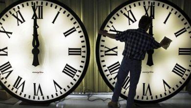 تصویر از ساعت رسمی کشور امشب یکشنبه یک ساعت به عقب کشیده میشود