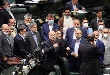 تصویر از روزنامه جمهوری اسلامی: نمایندگان مجلس، حتی شأن خودشان را هم حفظ نمی کنند