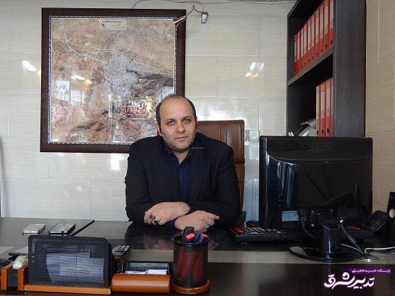 دکتر ایمان محمد پور نیک بین