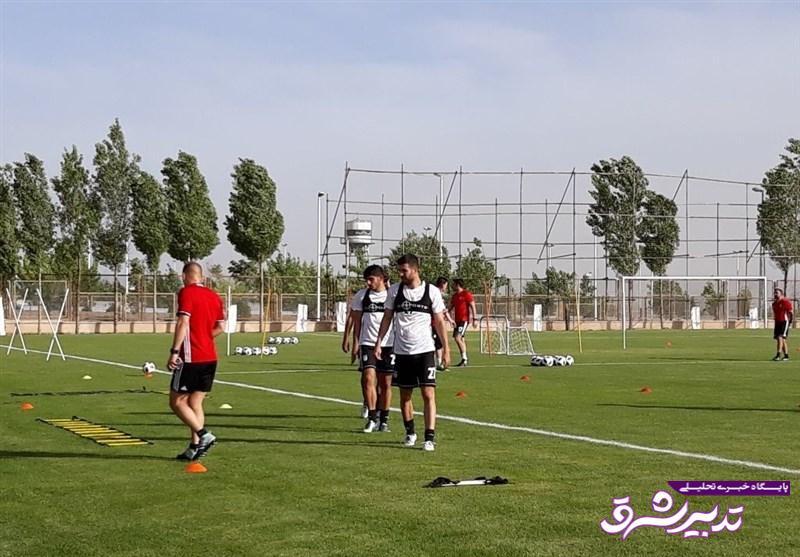 تصویر از چند تصویر از تمرین امروز تیم ملی/ جلسه طولانی مدت ساکت با کیروش